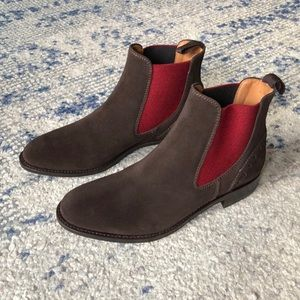 Ariat suede Chelsea boots